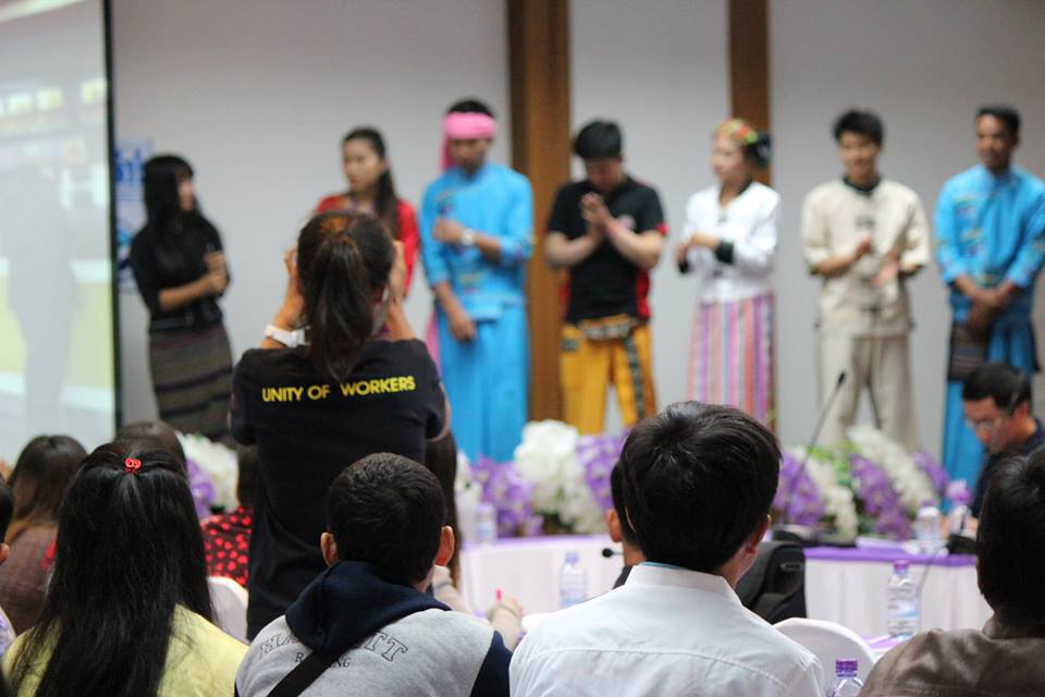 Burmese migrant workers in Chiang Mai, Thailand join the two-day International Migrants Day 2016 seminar organized by Thailand's Northern Labor Network on Sunday. The workers and labor activists discussed workplace experiences and labor rights at the annual meeting. (Photo: Nyein Nyein / The Irrawaddy)