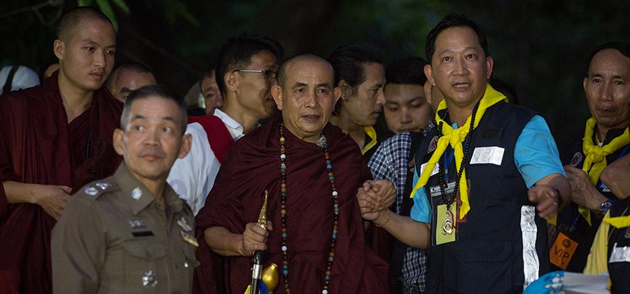 Thai King Offers Robes to Monk Who Predicted Team Trapped in Cave