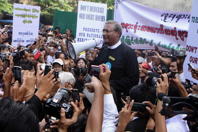 Aung San Suu Kyi and other leaders arrested, party spokesman says